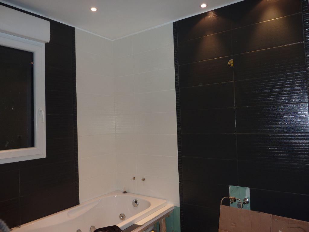Faux plafond salle de bain humidite for Humidite plafond salle de bain