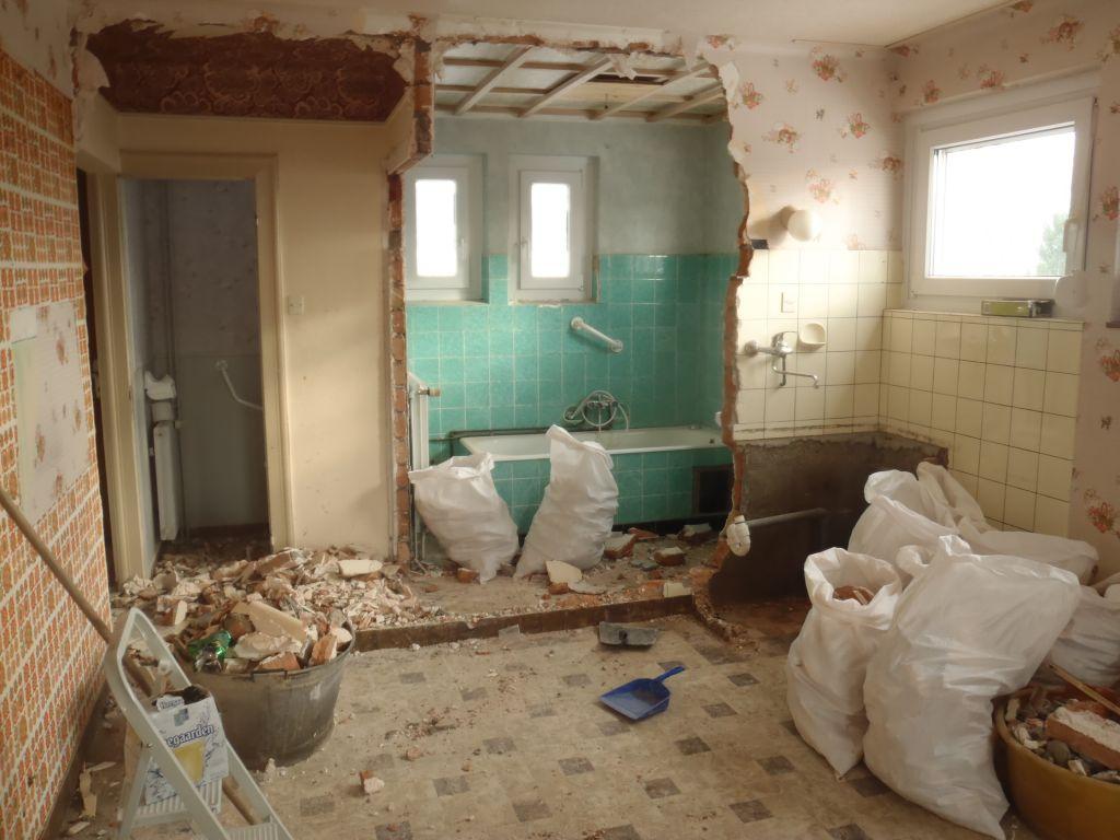 cloison cuisine / salle de bains détruite