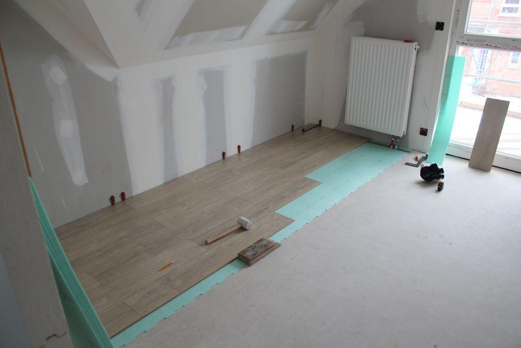 parquet stratifi carrelage de la salle de bain installation chemin e roderen haut rhin. Black Bedroom Furniture Sets. Home Design Ideas