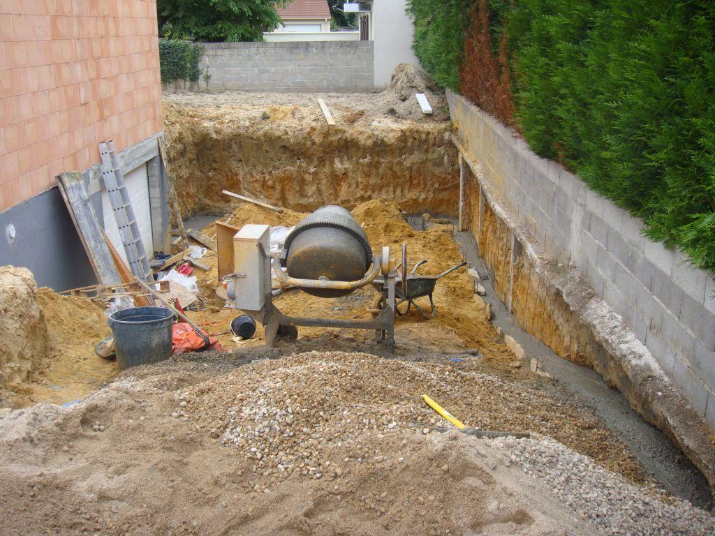 Descente du sous sol les pr mices la ville du bois for Eclairage mur exterieur