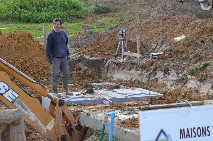 La cuve pour la cave a été remplie d'eau afin de ne pas remonter