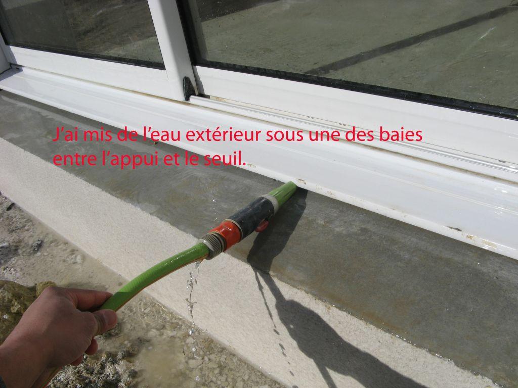 Comment r parer l infiltration d eau sous les baies for Rideau pour ne pas etre vu de l exterieur