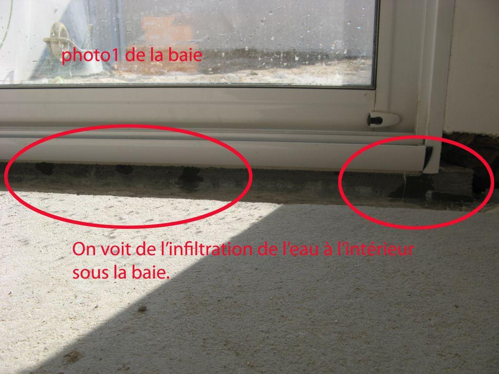 comment r parer l infiltration d eau sous les baies. Black Bedroom Furniture Sets. Home Design Ideas