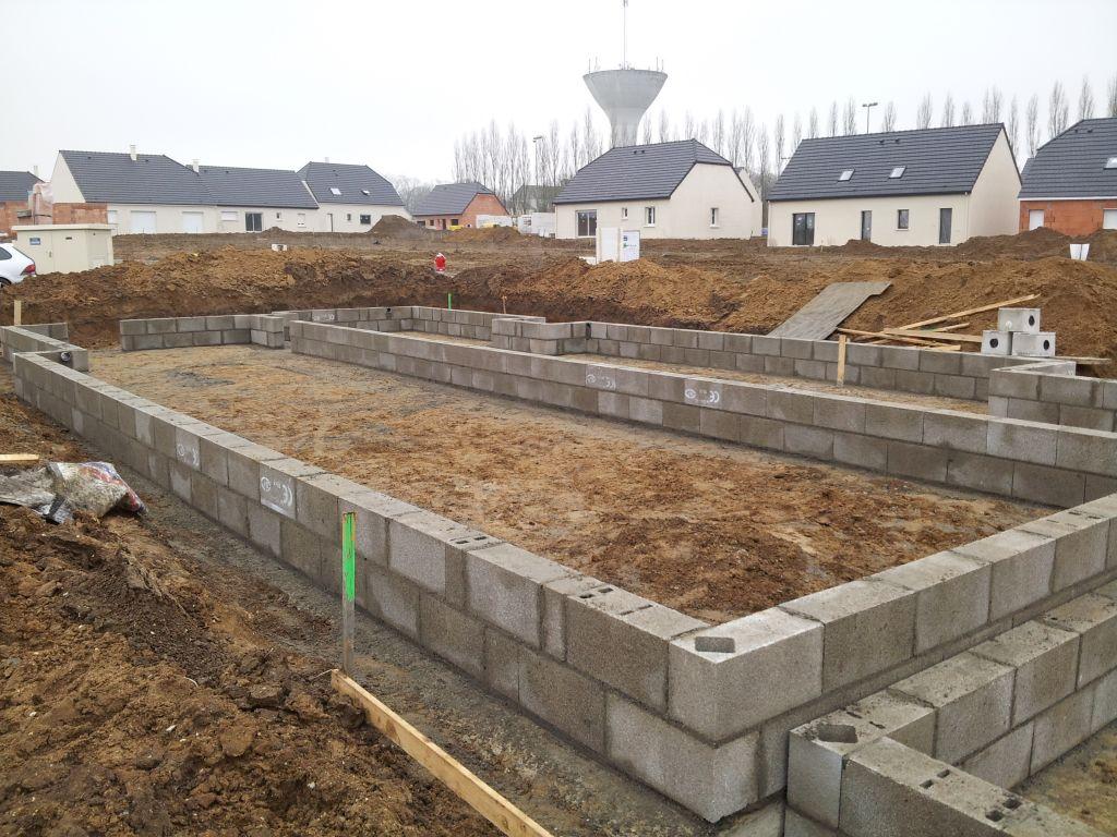 Photo vs en limite de propri t fondations vide - Mur privatif en limite de propriete ...