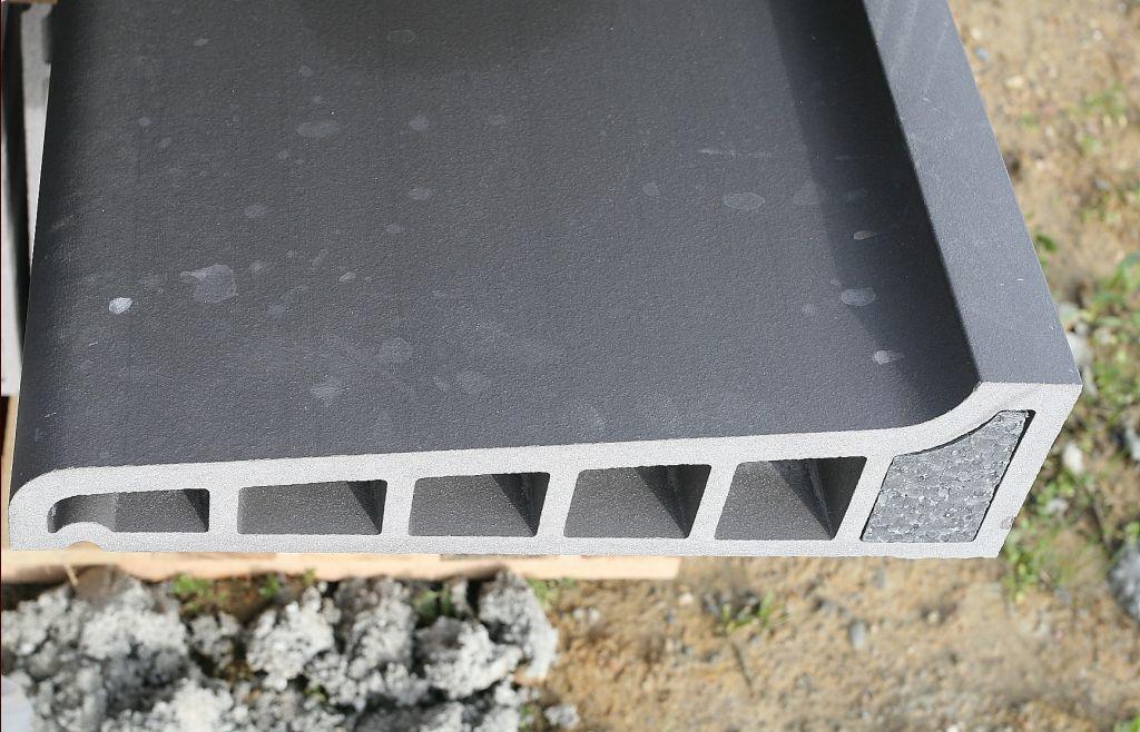 pose des appuis de fen tre pose de la mezzanine du garage haute garonne. Black Bedroom Furniture Sets. Home Design Ideas