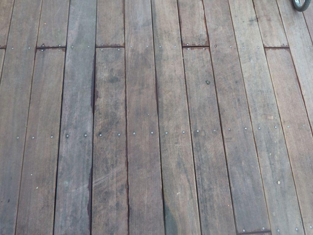 Taches noires sur terrasse bois exotique cumaru 4 messages for Tache blanche sur bois fonce