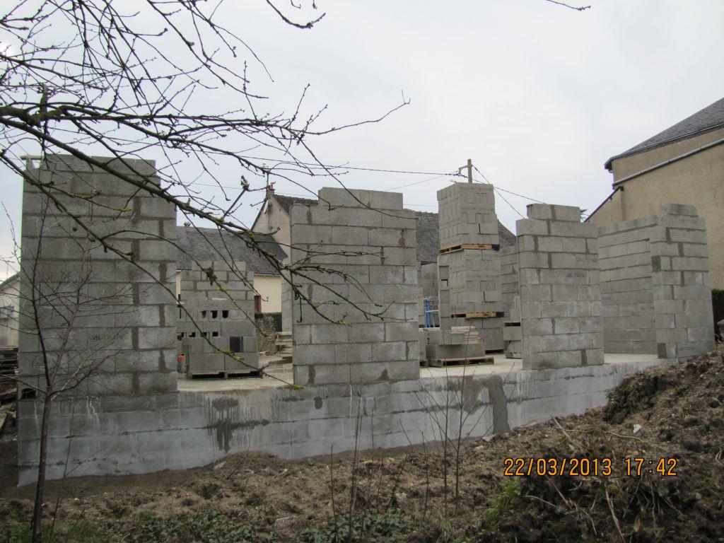 3é jour du montage des murs. vue de derrière