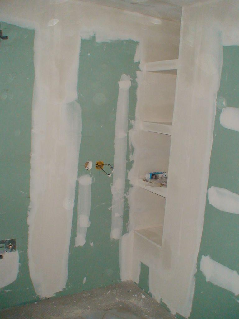 Finitions de la niche salle de bains