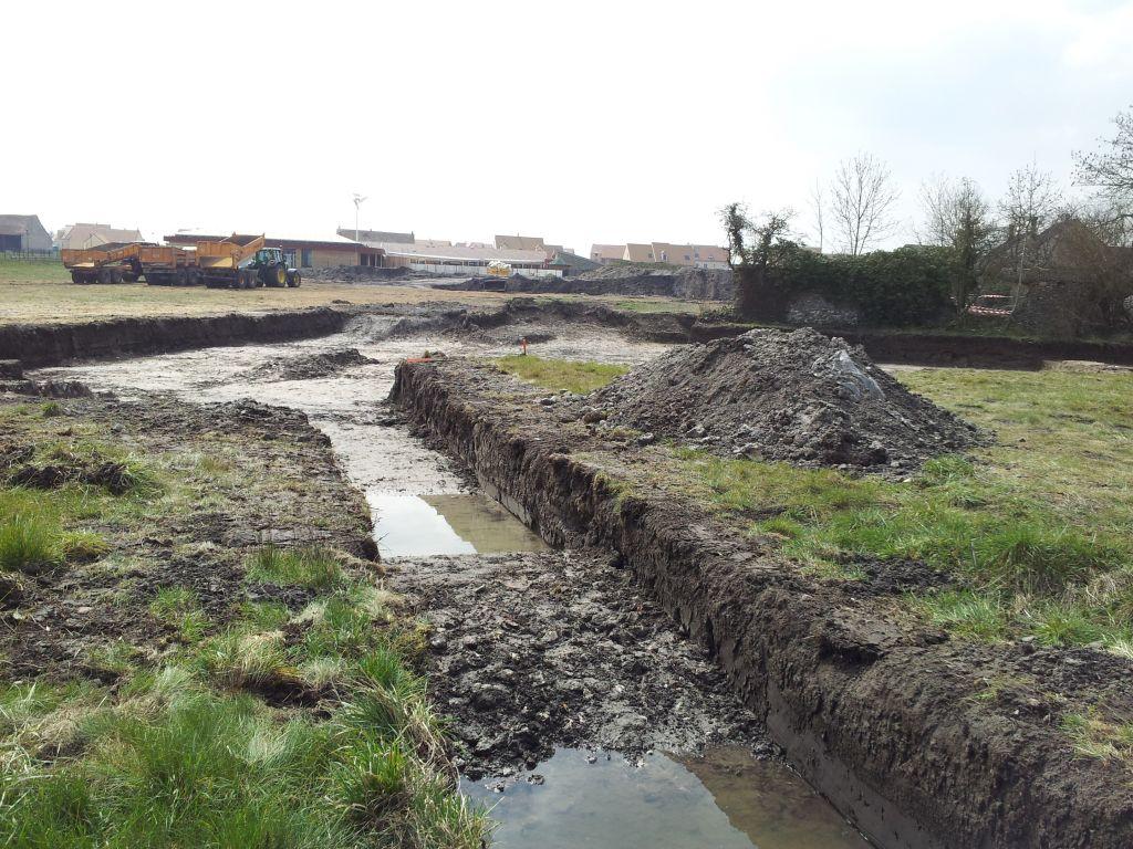 Début des fouilles archéologiques