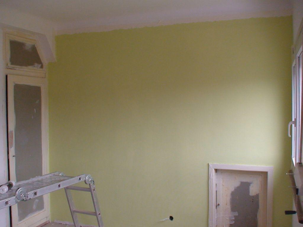 L'un des murs vert chambre nord