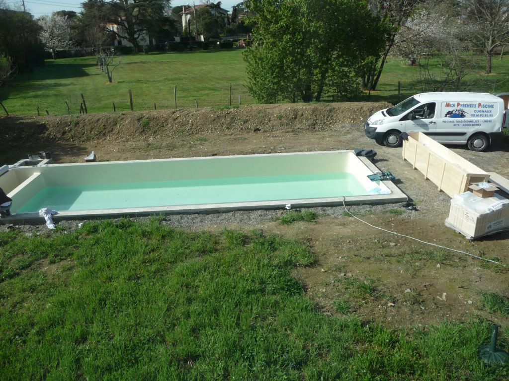 Photo volet roulant pour piscine immerg toulouse haute for Construction piscine haute garonne