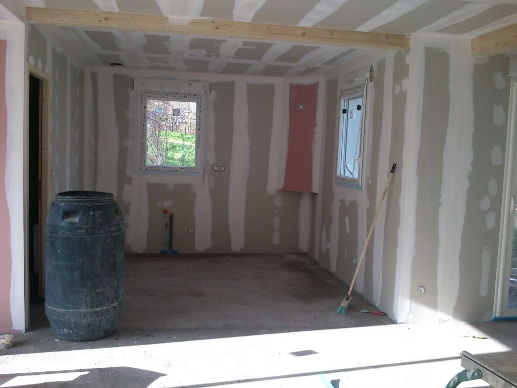 fin des bandes placo du rdc d but du carrelage nohanent puy de dome. Black Bedroom Furniture Sets. Home Design Ideas