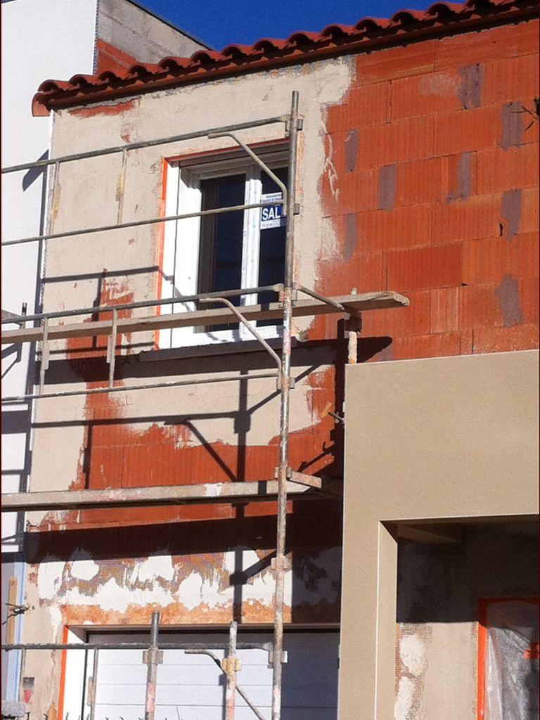 Préparation pour la suite de la façade.
