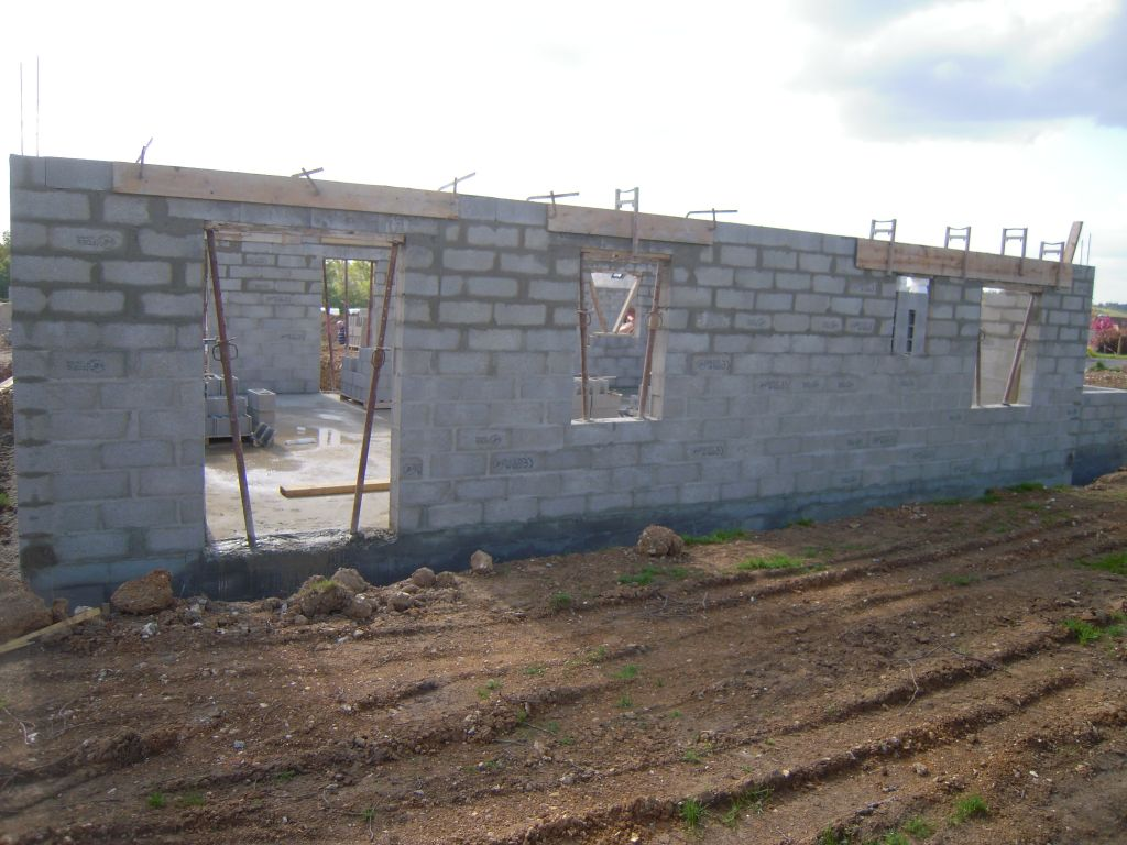 Debut des travaux fondations inforamation barentin - 4 murs barentin ...