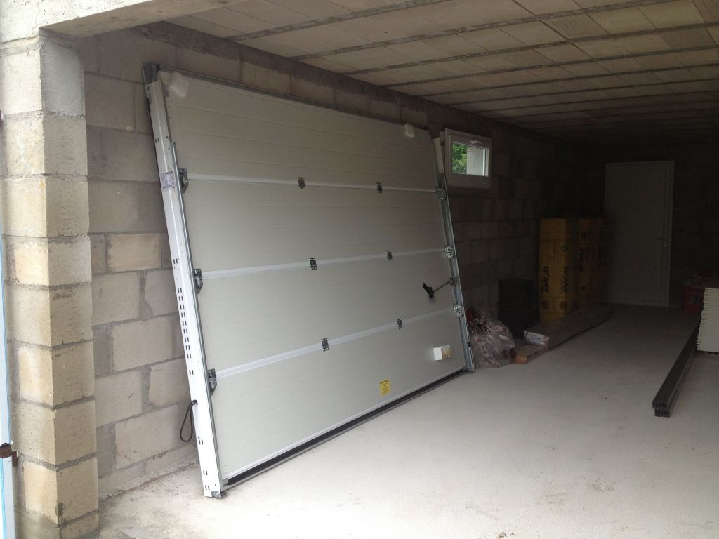 Porte de garage livrée