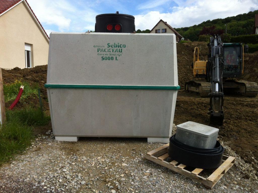 Livraison de la cuve de récupération d'eau de pluie (5000L)