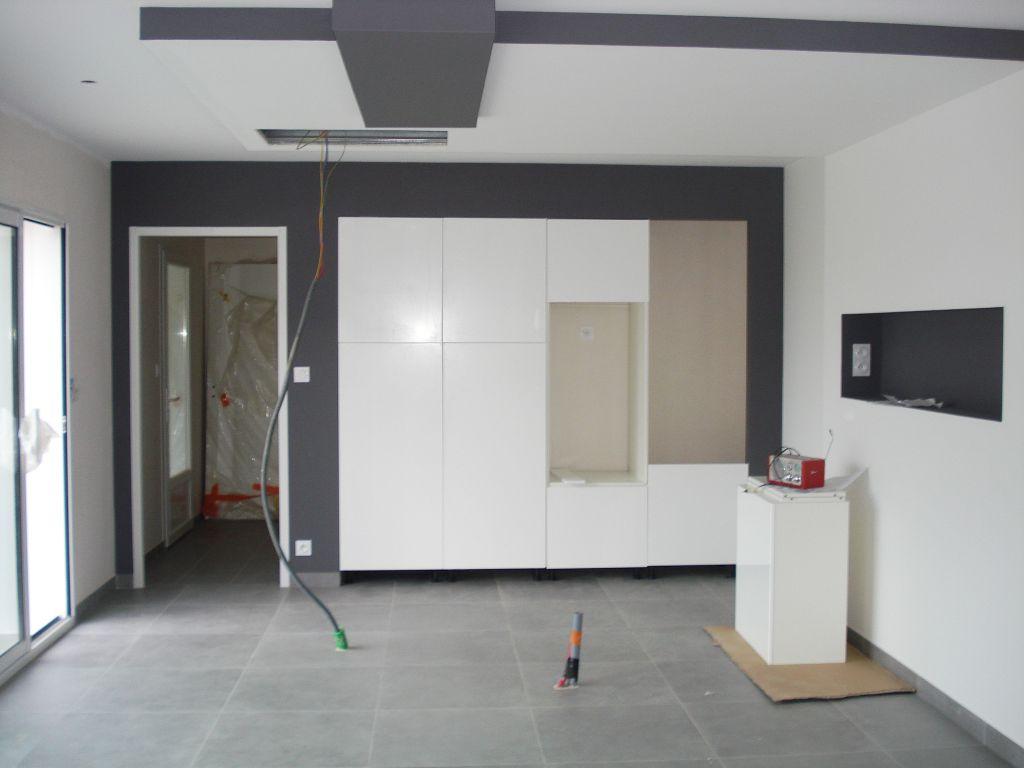 ... ,carrelage cuisine et mur de cloture exterieur - Cuisine, Vendee
