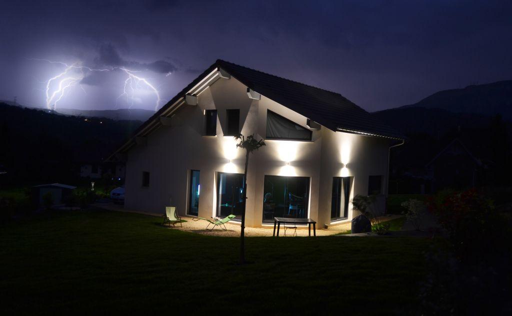 Facade sud-ouest - La Bridoire (Savoie - 73) - juin 2013