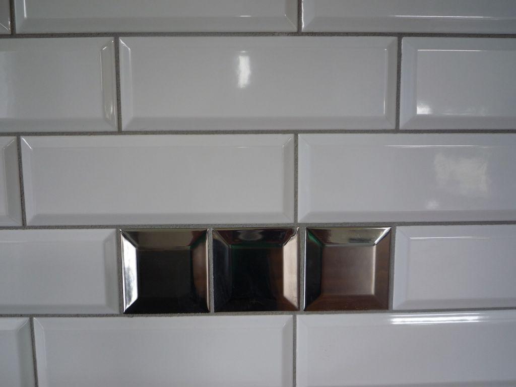 Photos de vos cuisines groupes - Carrelage muurschildering metro blanc ...