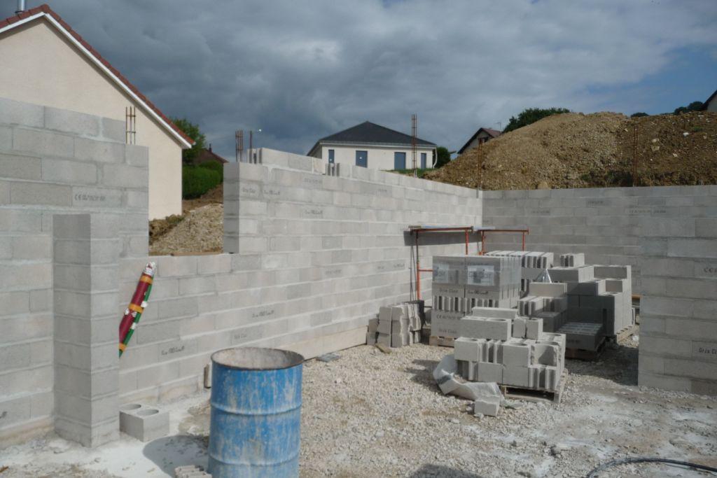 Elévation des murs du sous-sol <br /> Futur coin chaufferie