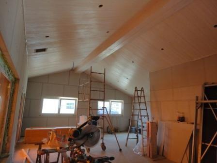 rez supérieur : cuisine à droite, peinture du plafond (2 couches) effectuée par nos soins
