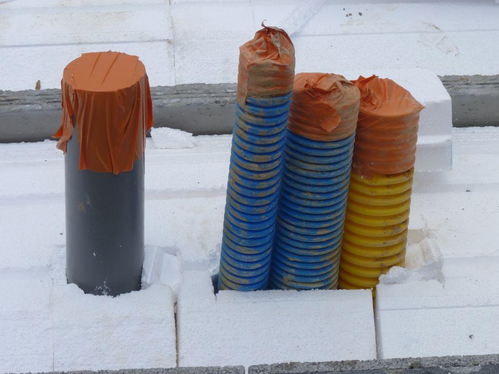 Photo de la pose des poutrelles et des hourdis en polystyrène n°8