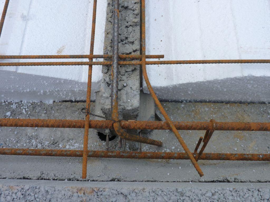 Photo de la mise en place des treillis soudés, des chaînages de périphéries et des chaînages horizontaux et verticaux n°7