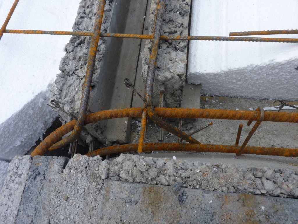 Photo de la mise en place des treillis soudés, des chaînages de périphéries et des chaînages horizontaux et verticaux n°8