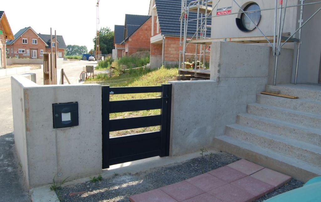 portail,.... plutôt un portillon
