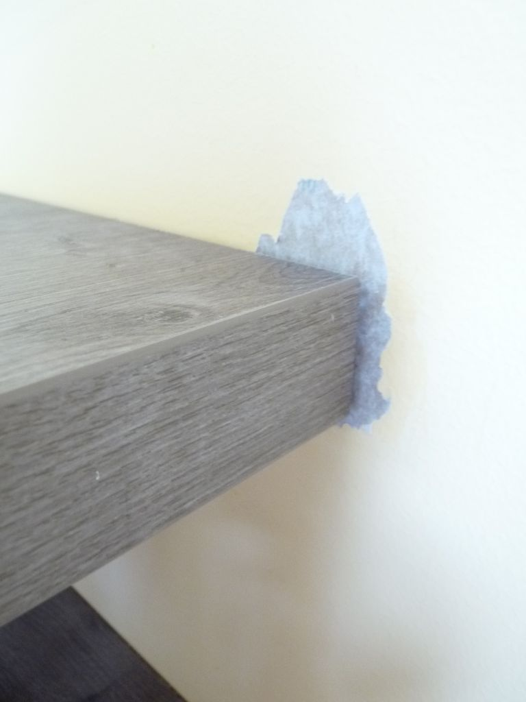 conseil pour retouche peinture arrach e sur un mur. Black Bedroom Furniture Sets. Home Design Ideas