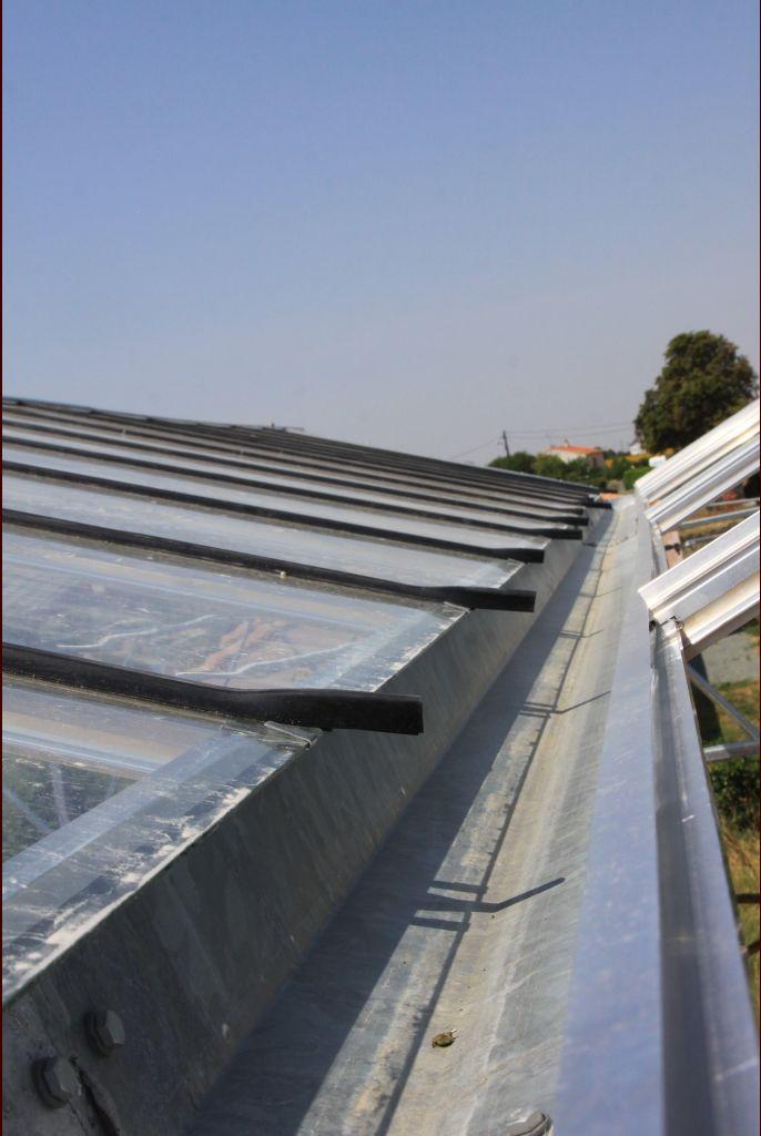 la terrasse montage du toit de la serre pose des vitres sur le toit la croix comtesse. Black Bedroom Furniture Sets. Home Design Ideas