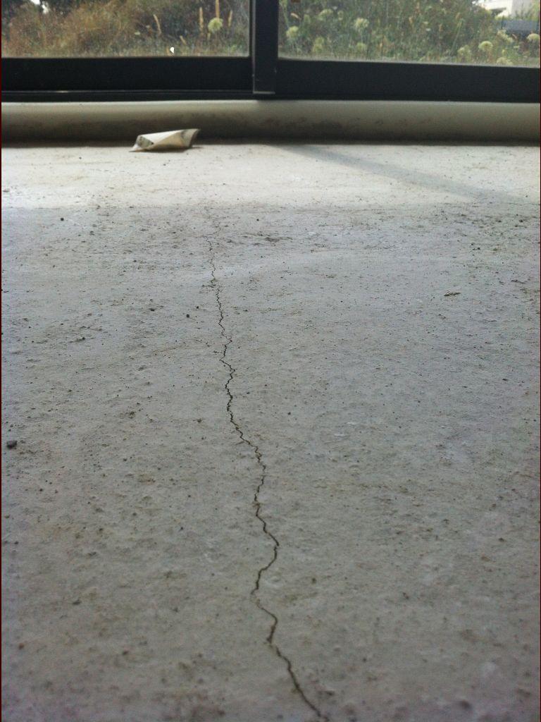 Chape ravoirage pose pc peinture sous couche toulouse for Fissure carrelage plancher chauffant