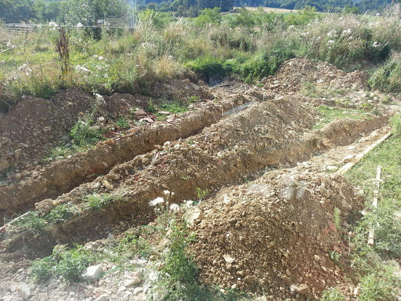terrassement pour la terrasse et l'assainissement