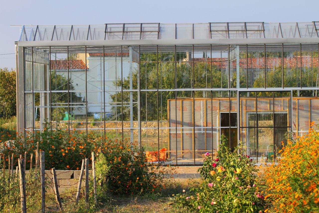 Les 10 maisons les plus extraordinaires de forumconstruire - Serre de jardin maison nancy ...
