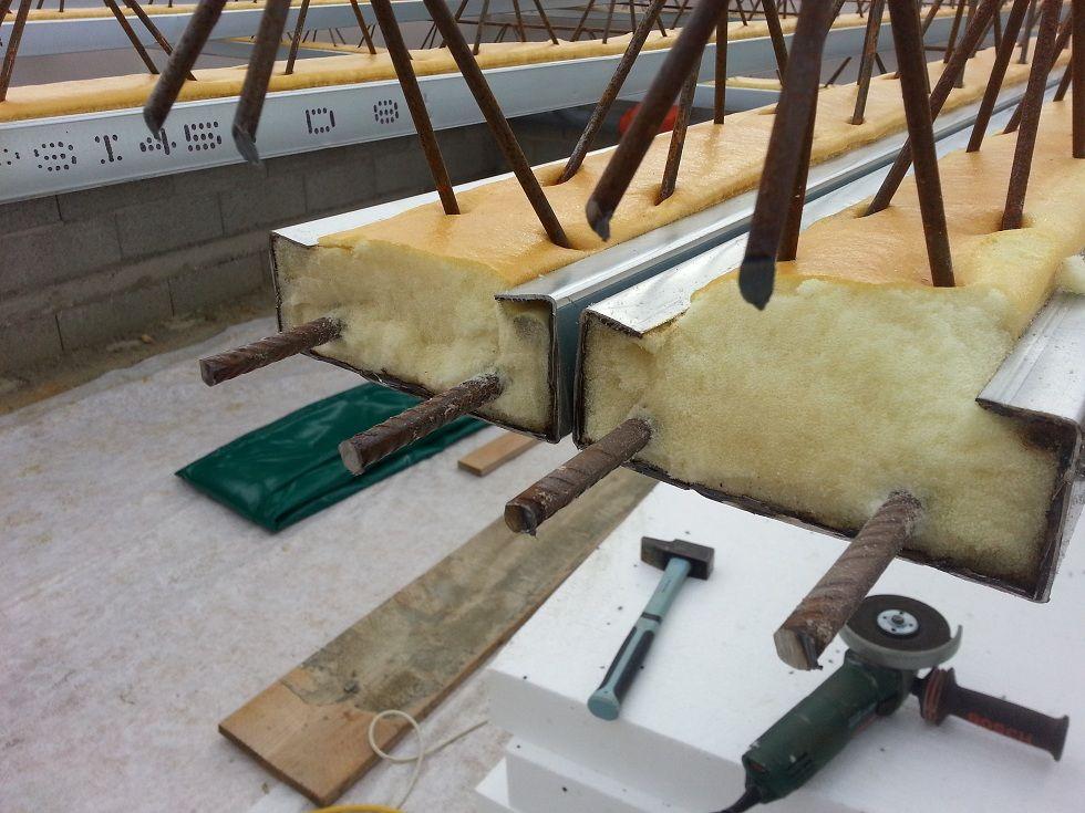 Nettoyage des fers car le polyuréthane reste coté aux ferrailles