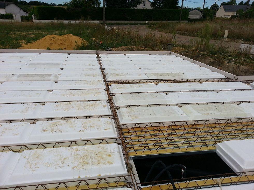 Isolation vide sanitaire pr parations pour les menuiseries fin de l 39 e - Quelle epaisseur pour une dalle beton ...