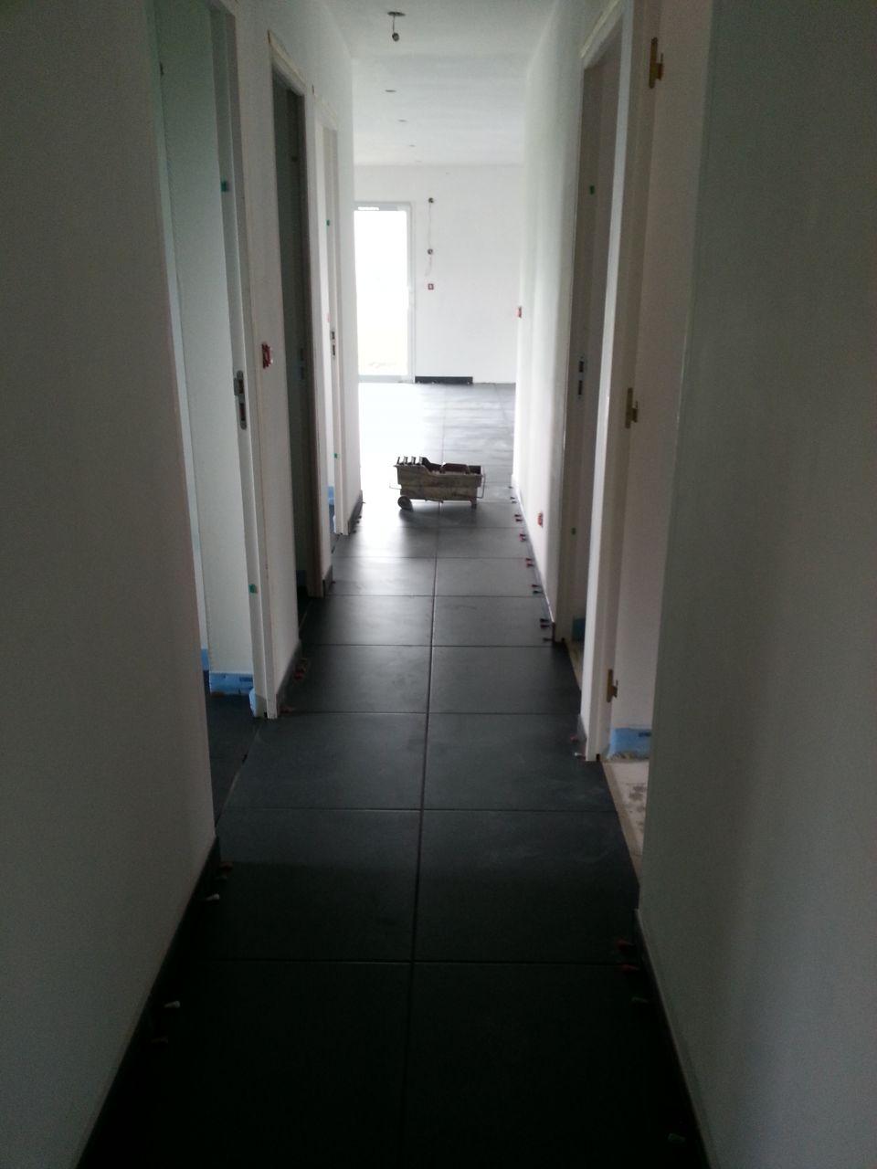 Samedi 06 juillet 2013 pose du carrelage au sol du 01 08 - Faience pour couloir ...