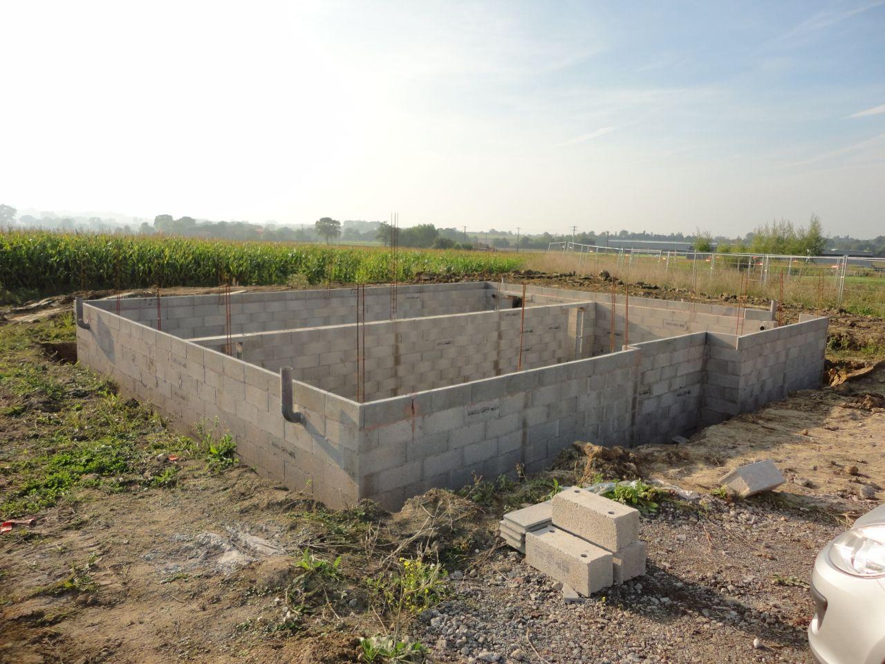 Implantation commencement vide sanitaire boeschepe nord for Vide sanitaire ou pas