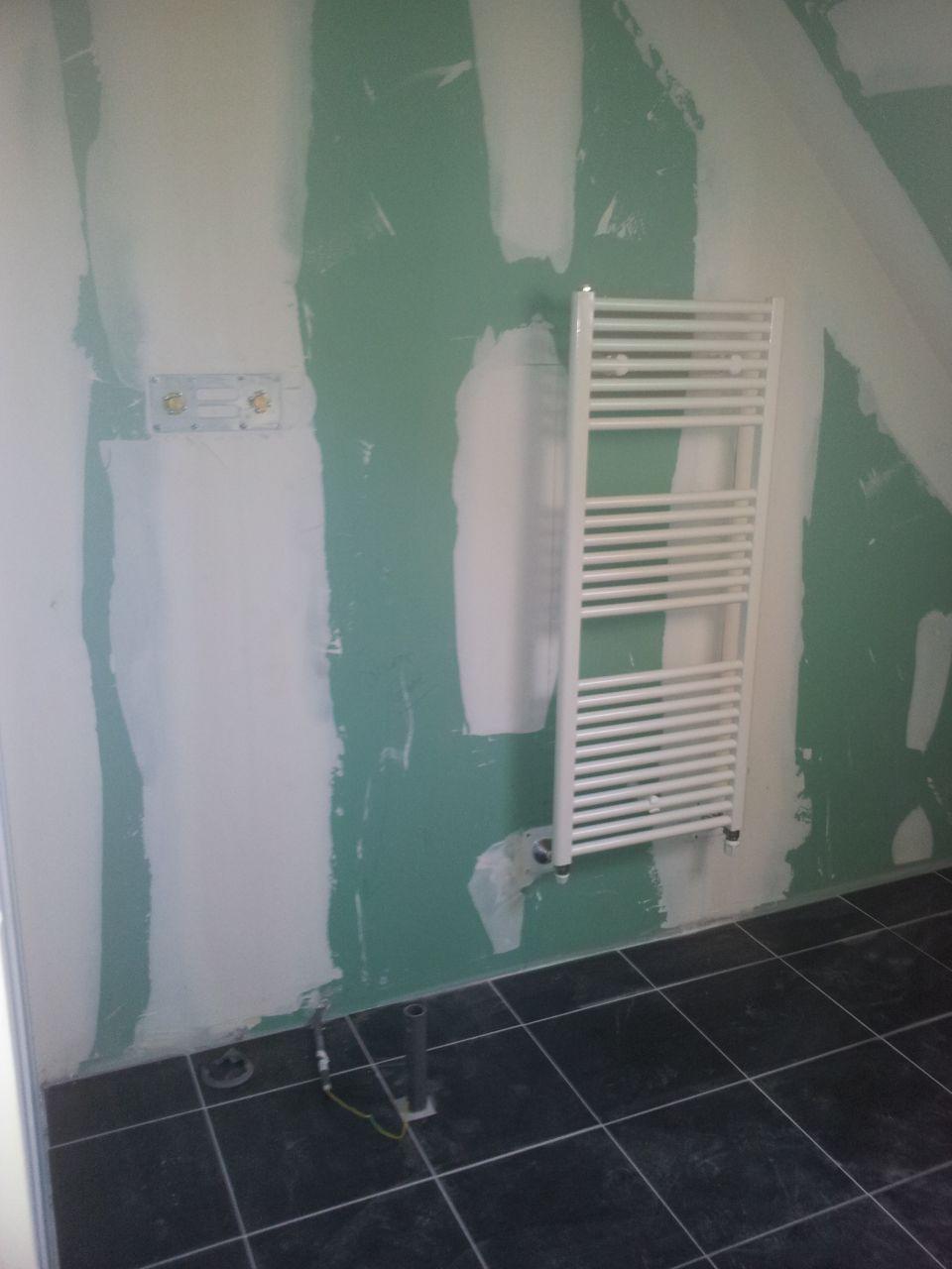 R alisation de l 39 enduit ext rieur prb015 ton pierre chauffage au sol et chape lisse le cdt - Une araignee dans la salle de bain ...