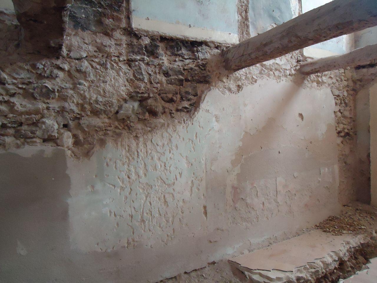 c 39 est parti propret des murs mur en moellons six fours les plages var. Black Bedroom Furniture Sets. Home Design Ideas