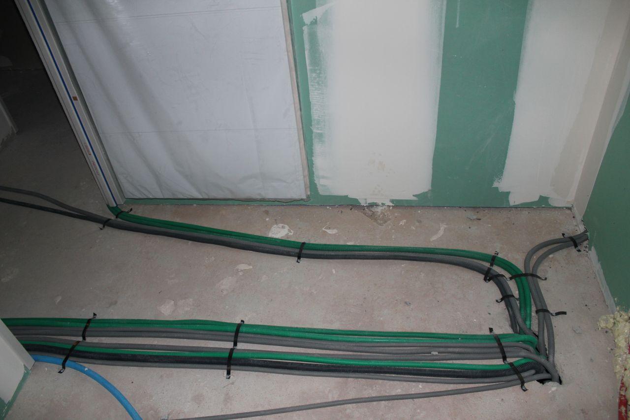 Arrivée électricité de l'étage dans la salle de bain