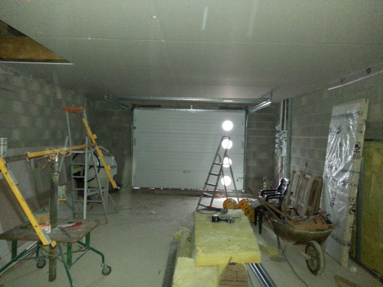 La dalle est faite mais au niveau du seuil du garage jai une remontée suite à lerreur du maçon égale à la hauteur du sol du reste de la maison