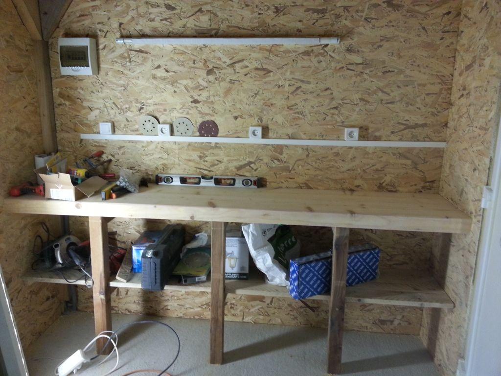 Abri de jardin en autoconstruction 81 messages page 5 - Fabriquer un etabli de garage ...