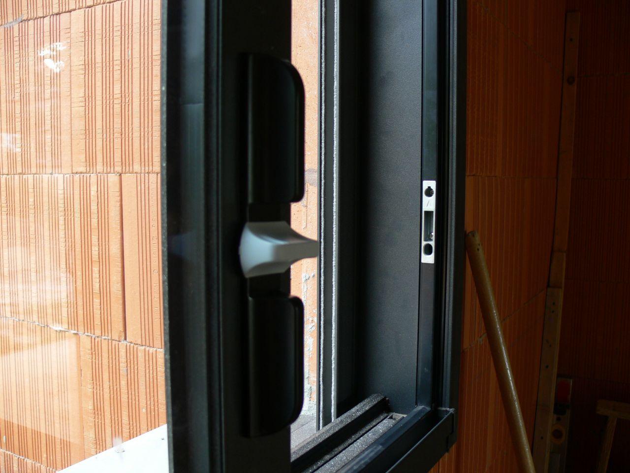 le projet de cuisine seuils de fen tres baies pose des menuiseries ext rieures haute garonne. Black Bedroom Furniture Sets. Home Design Ideas