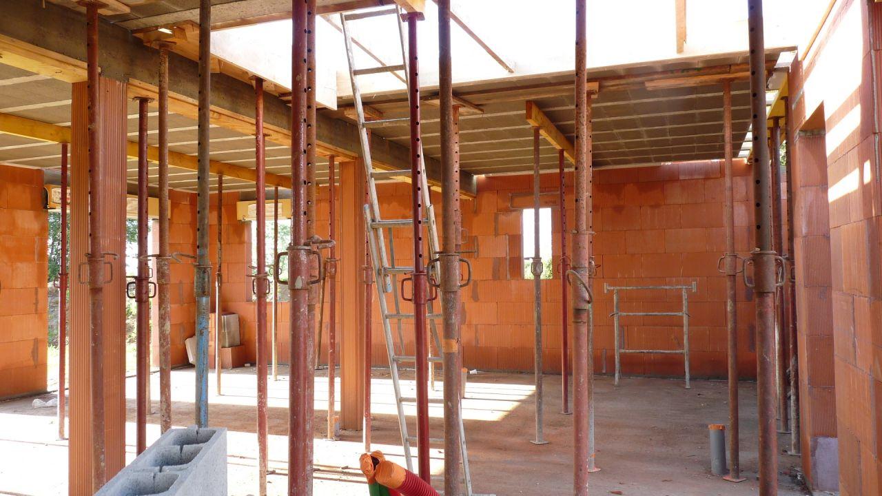 Elévation des murs - début dalle béton étage