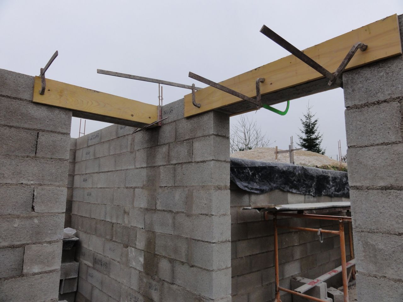 Sous sol rang 12 linteaux et poteaux marne for Hauteur garage sous sol