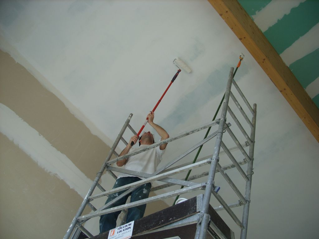 Peinture du plafond que c 39 est haut l 39 escalier se for Quel peinture pour plafond