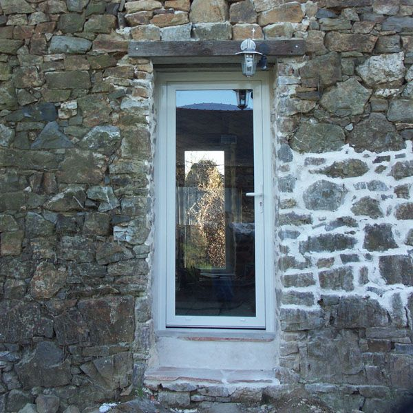 Pose de deux portes fenêtres.