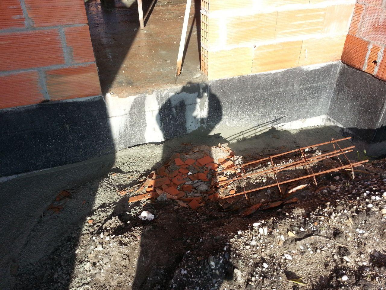 Vidage du fond de toupie dans les fouilles ... ouille ouille ouille