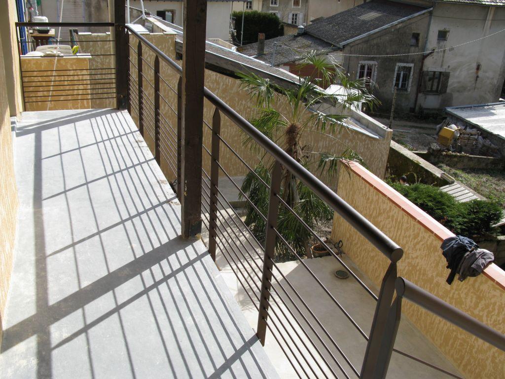 Id es de garde corps pour la terrasse ain - Idee garde corps terrasse ...